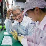 アップルの工場「Foxconn」は無人化へ向かう
